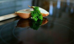 Comment faire le choix d'une bonne plaque de cuisson?