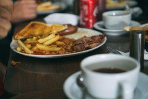 La friteuse à air (sans huile) : son fonctionnement et la cuisson